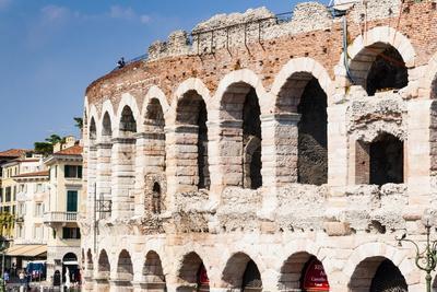 https://imgc.allpostersimages.com/img/posters/the-roman-arena-verona-unesco-world-heritage-site-veneto-italy-europe_u-L-PQ8M8Z0.jpg?p=0