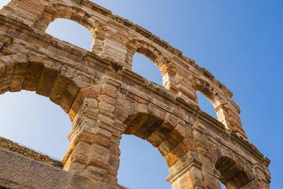 https://imgc.allpostersimages.com/img/posters/the-roman-arena-verona-unesco-world-heritage-site-veneto-italy-europe_u-L-PQ8M9N0.jpg?p=0