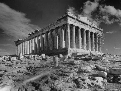https://imgc.allpostersimages.com/img/posters/the-ruins-of-the-ancient-parthenon_u-L-P750230.jpg?artPerspective=n