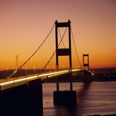 https://imgc.allpostersimages.com/img/posters/the-severn-bridge-at-sunset-england-uk_u-L-P2QVIT0.jpg?artPerspective=n