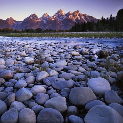 https://imgc.allpostersimages.com/img/posters/the-snake-river-teton-national-park-teton-range-wyoming-usa_u-L-PN72XI0.jpg?p=0