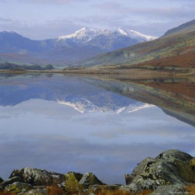https://imgc.allpostersimages.com/img/posters/the-snowdon-range-from-capel-curig-across-llynnau-mymbr-snowdonia-national-park-north-wales-uk_u-L-P2QVON0.jpg?artPerspective=n