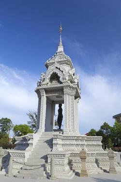 The Statue of Lady Penh