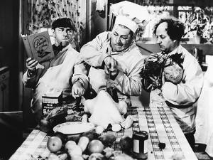 The Three Stooges: Separate Two Eggs