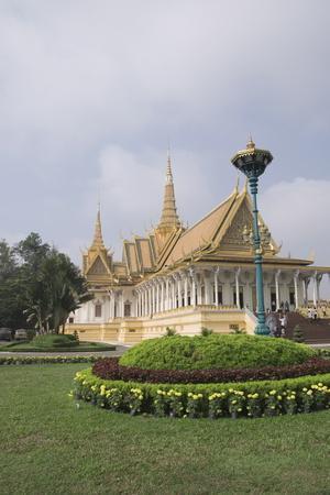 https://imgc.allpostersimages.com/img/posters/the-throne-hall-the-royal-palace-phnom-penh-cambodia_u-L-PNGJMG0.jpg?p=0