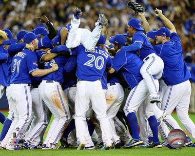 The Toronto Blue Jays celebrate winning Game 5 of the 2015 American League Division Series
