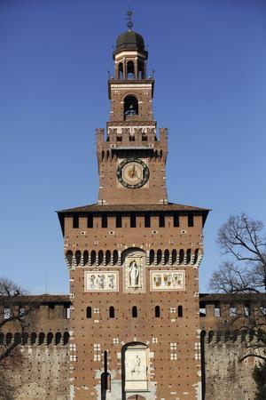 https://imgc.allpostersimages.com/img/posters/the-torre-del-filarete-clock-tower-at-the-15th-century-sforza-castle-castello-sforzesco_u-L-PWFEK70.jpg?p=0