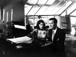 The Uninvited, Gail Russell, Ray Milland, 1944