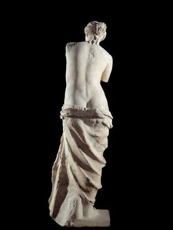 https://imgc.allpostersimages.com/img/posters/the-venus-de-milo-detail-of-a-marble-sculpture-of-aphrodite_u-L-PZO2AK0.jpg?artPerspective=n