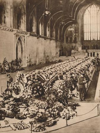 https://imgc.allpostersimages.com/img/posters/the-victims-of-the-r101-airship-disaster-lying-in-state-in-westminster-hall-london-1930-1935_u-L-Q1EFATU0.jpg?artPerspective=n