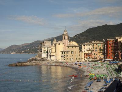 https://imgc.allpostersimages.com/img/posters/the-village-of-camogli-liguria-italy-europe_u-L-PFO1AV0.jpg?p=0