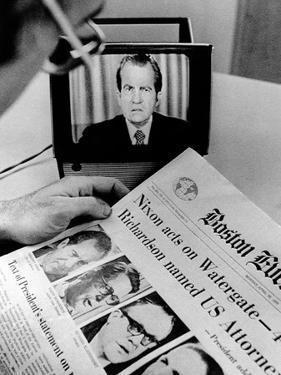 The Watergate Scandal Takes over the Front Page and the TV Screen