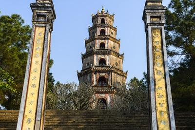 https://imgc.allpostersimages.com/img/posters/thien-mu-pagoda-built-in-1844-on-the-bank-of-perfume-river-group-of-hue-monuments_u-L-Q12SAFA0.jpg?artPerspective=n