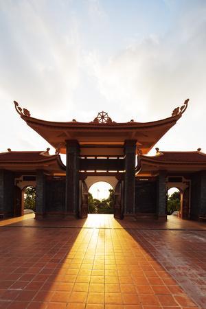 https://imgc.allpostersimages.com/img/posters/thien-vien-truc-lam-ho-temple-phu-quoc-island-vietnam-indochina-southeast-asia-asia_u-L-Q12SDYE0.jpg?p=0