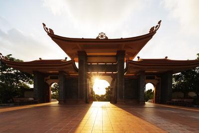 https://imgc.allpostersimages.com/img/posters/thien-vien-truc-lam-ho-temple-phu-quoc-island-vietnam-indochina-southeast-asia-asia_u-L-Q12SEMW0.jpg?p=0