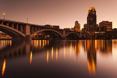 https://imgc.allpostersimages.com/img/posters/third-avenue-bridge-mississippi-river-minneapolis-minnesota-usa_u-L-PXR78X0.jpg?p=0