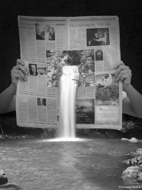 Breaking News by Thomas Barbey