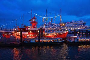 823. Port Birthday Hamburg (City) by Thomas Ebelt