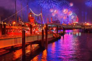 Fireworks, 823rd Hafengeburtstag, Anniversary of Harbour, the Evening by Thomas Ebelt