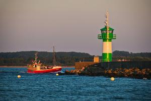 New Building of the Navigational Light of Breakwater in LŸbeck-TravemŸnde by Thomas Ebelt