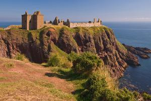 Scotland, Dunnottar Castle by Thomas Ebelt