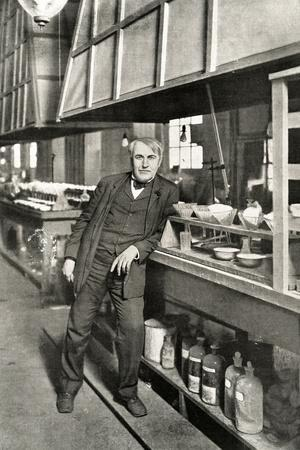 https://imgc.allpostersimages.com/img/posters/thomas-edison-leaning_u-L-Q106OI90.jpg?artPerspective=n