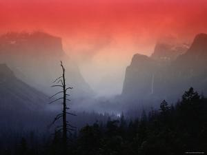 The Angular Beauty of the Yosemite Valley Is Awash with Natural Pastel Light Tones by Thomas Winz