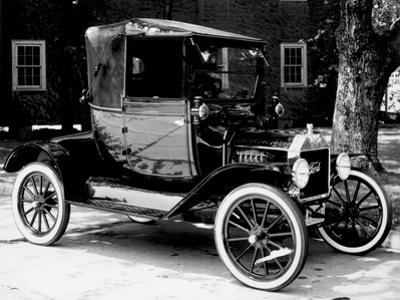 T Ford Car by Three Lions