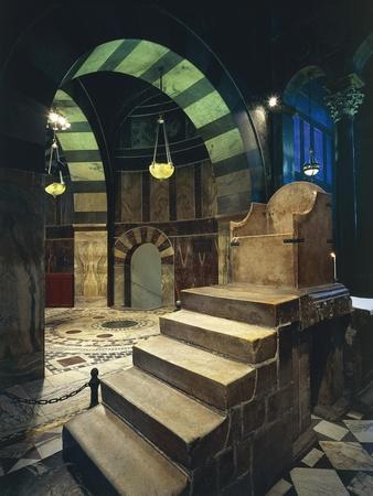 https://imgc.allpostersimages.com/img/posters/throne-of-charlemagne-in-the-palatine-chapel_u-L-PPBB1D0.jpg?p=0