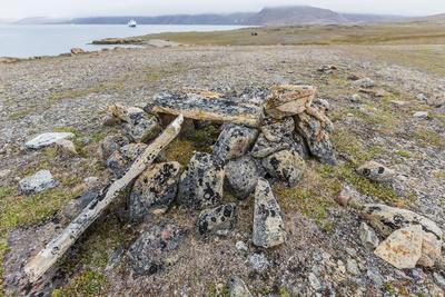 https://imgc.allpostersimages.com/img/posters/thule-house-remains-in-dundas-harbour-devon-island-nunavut-canada-north-america_u-L-PQ8QQB0.jpg?p=0