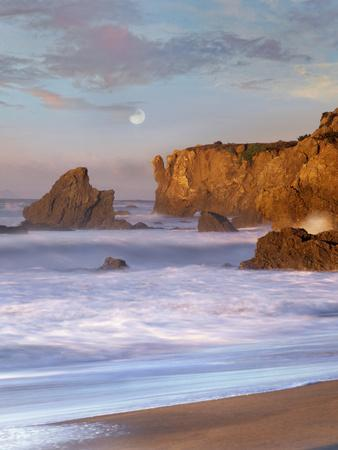 Moon over El Matador Beach, Malibu, California, Usa