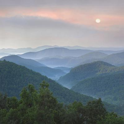 Sunrise over Pisgah National Forest from Blue Ridge Parkway, North Carolina, Usa