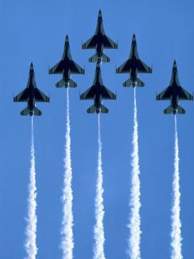 Fighter Jets in Formation by Tim Lynch