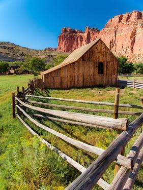 Utah Barn by Tim Oldford