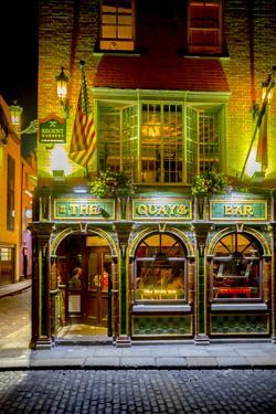The Quay's Bar in Dublin by Tim Thompson