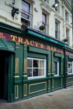 Tracy's Bar in Londonderry by Tim Thompson