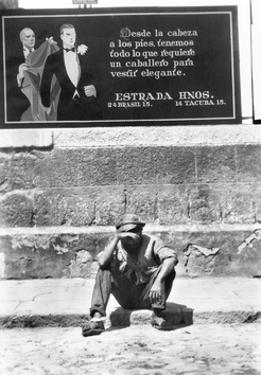Elegance and Misery, Mexico City, 1928 by Tina Modotti