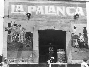 La Palanca (Pulqueria, Avenida Jesus Carranza), Mexico City, c.1927 by Tina Modotti