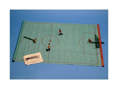 https://imgc.allpostersimages.com/img/posters/tipp-kick-table-football-game-1930s_u-L-PPHE0Z0.jpg?p=0