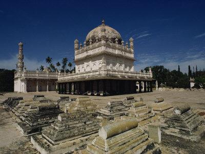 https://imgc.allpostersimages.com/img/posters/tipu-sultan-s-tomb-mysore-karnataka-state-india_u-L-P7NG1S0.jpg?p=0
