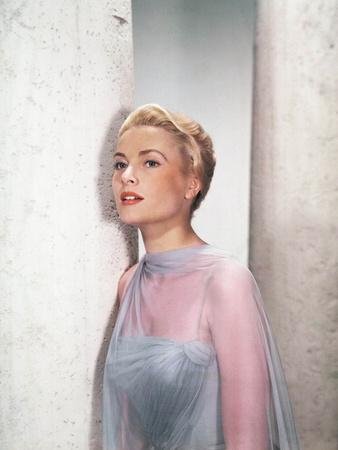 https://imgc.allpostersimages.com/img/posters/to-catch-a-thief-grace-kelly-1955_u-L-Q12PHV60.jpg?artPerspective=n