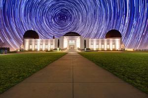 Star Trail Timelapse behind the Griffith Observatory in Los Angeles, CA by tobkatrina