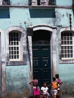 Children on Street in the Pelourinho District, Salvador, Brazil by Tom Cockrem