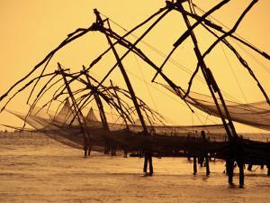 Chinese Fishing Machine, Kochi, India by Tom Cockrem