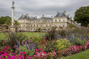 Formal palace Gardens. Paris. by Tom Norring