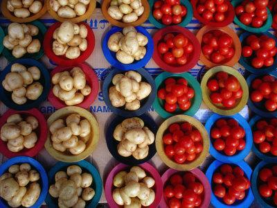 https://imgc.allpostersimages.com/img/posters/tomatoes-and-potatoes-for-sale-at-street-stall-johannesburg-gauteng-south-africa_u-L-P3SDKT0.jpg?p=0