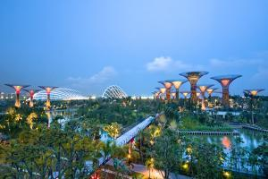Singapore Garden by Bay by Tomatoskin