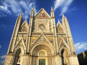 Facade of the Cathedral, Orvieto, Umbria, Italy, Europe by Tomlinson Ruth