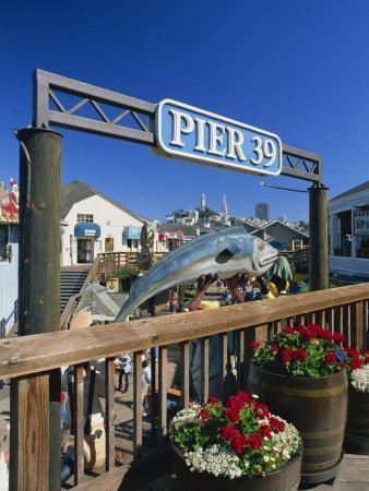 Sign for Pier 39, Fisherman's Wharf, San Francisco, California, USA