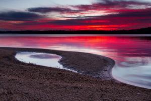Sunrise on A Sandy Shoreline of Longview Lake in Kansas City by tomofbluesprings